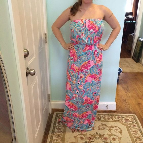 """Lilly Pulitzer Peel and Eat Maxi Dress EUC, worn once and washed cold/hung to dry. Again, not a fan of how the elastic strapless looks with my chest size. Fits up to size 4 comfortably. Less on Ⓜ️erc or ️️. My measurements: Height: 5'6"""", Size: 4 usually, 32DDD bra size Lilly Pulitzer Dresses Maxi"""