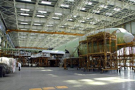 Production of stretched Ilyushin Il-96 gearing up at VASO's facilties