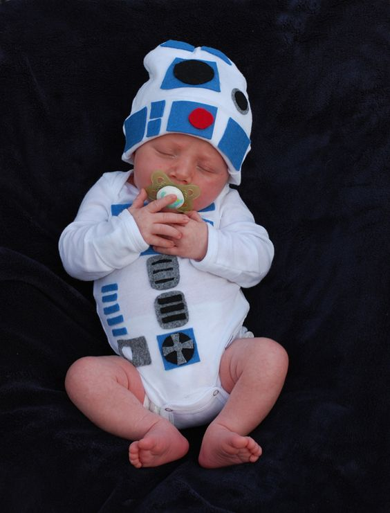R2D2 Baby Onesie. Cute costume idea. Sweetest thing I've seen all day...