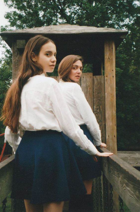 The pleasure of repetition, meet Ophelie and the girls | Photography | HUNGER TV