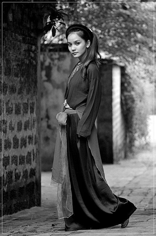 #HANGTRAN #vietnamese #beauty #ao #tu #than #traditional #dress