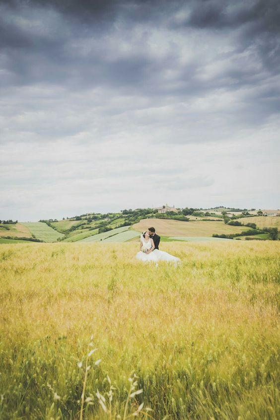 Lo #spettacolo della #natura #nuvole #cloudy #couple #bride #groom