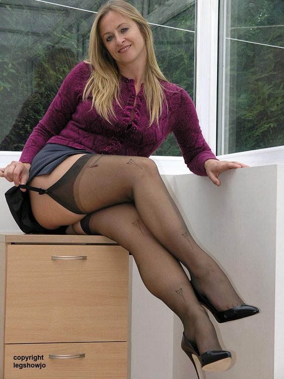 Ass Pantyhose Clad Mature 98