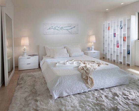 einrichtungsideen schlafzimmer schöne tischleuchten weißer teppich - gardinen fürs schlafzimmer