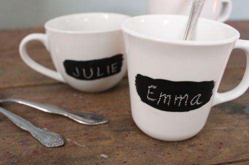 Tassen mit Tafellack