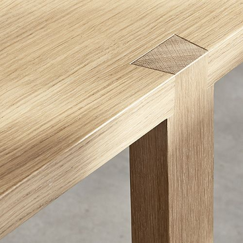 Weavers Dining Table Tisch Furniture