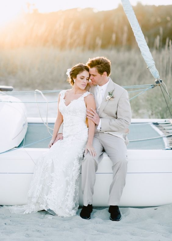 Since our dreaming is learning to sail and eventually owning a sailboat, this would make a awesome anniversary picture. Maybe gift each other sailing lessons for that year and have some photos taken of us on a sailboat?