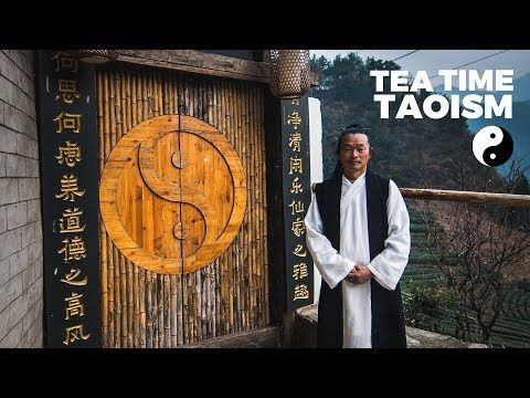 The Yin Yang Meaning Philosophy Explained Tea Time Taoism Youtube Taoism Yin Yang Tao Te Ching