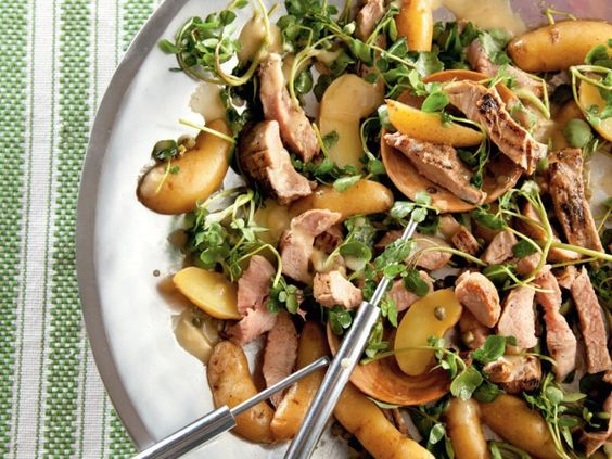 Easy #lunch recipe using #leftovers: Grilled Tenderloin and Fingerling Potato Salad. http://www.ivillage.com/tonights-dinner-tomorrows-lunch/3-b-285594#