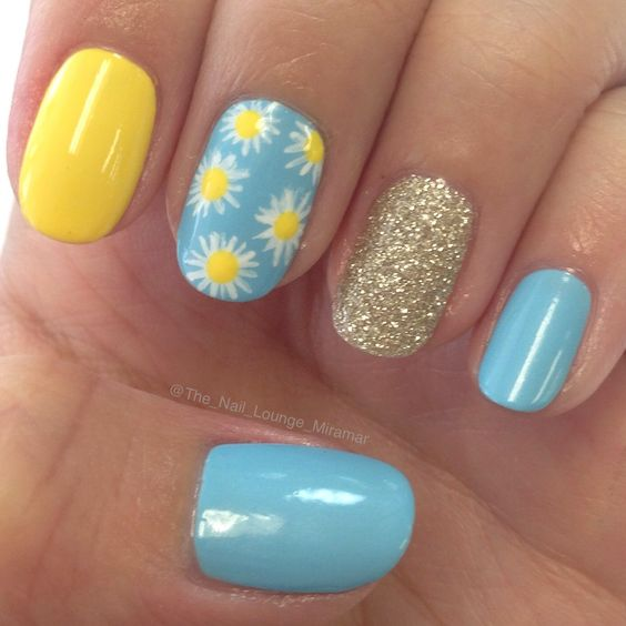Yellow blue nail art design:
