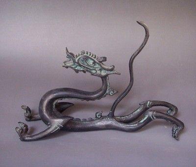Chinese bronze dragon statue