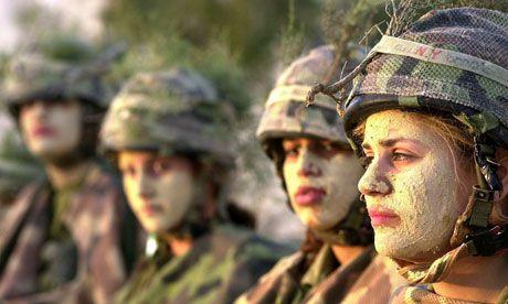vrouwensoldaten2.jpg 460×276 pixels
