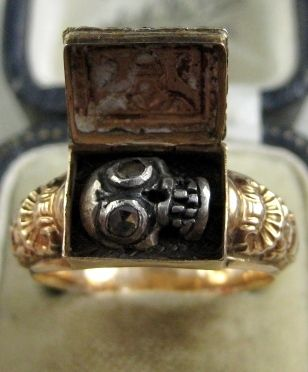 MEMENTO MORI GEORGIAN AUSTRIAN SKULL DIAMOND GOLD RING