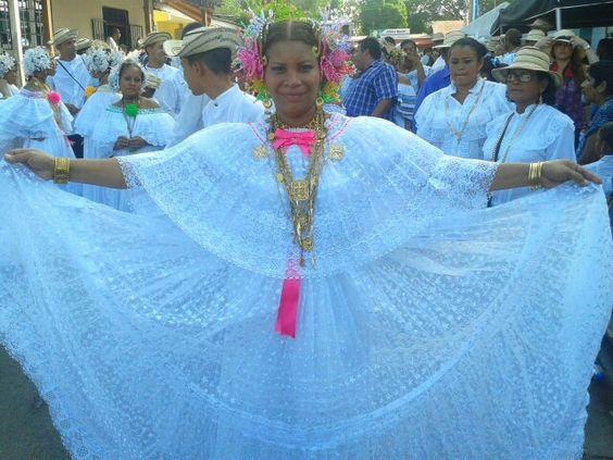 Hermosa  Pollera  Panamena.