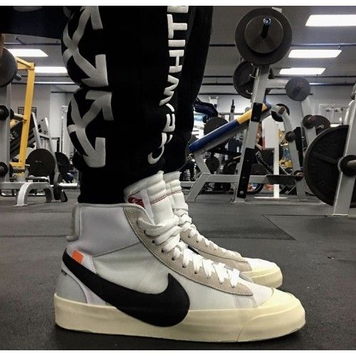 the best attitude 7f4e6 05913 Nuove Sneakers OFF White x Nike Blazer Mid 24 OW Bianche Beige Nere