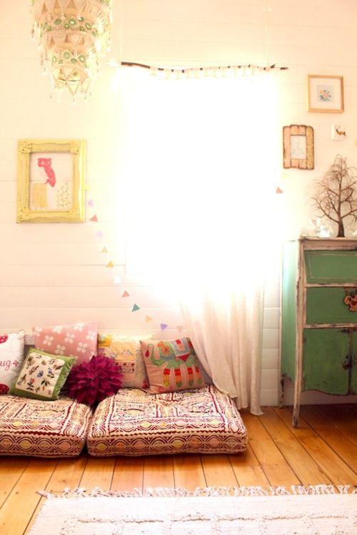 Hippie hippie chic apartment ideas pinterest dibujo for Cojines de suelo