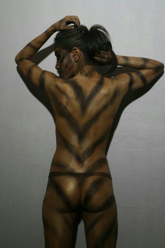 Body paint tigre arte en aerografia Oneida