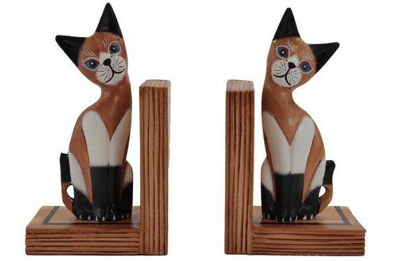 """Aparador de Livros """"Gatos"""" - Bali - http://www.artesintonia.com.br/aparador-de-livros-gatos-bali"""