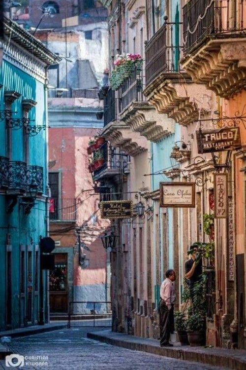 """eres-el-lugar-que-habito: """"Llueve y llueve en este paraiso llamado Guanajuato…❤❤❤ """""""