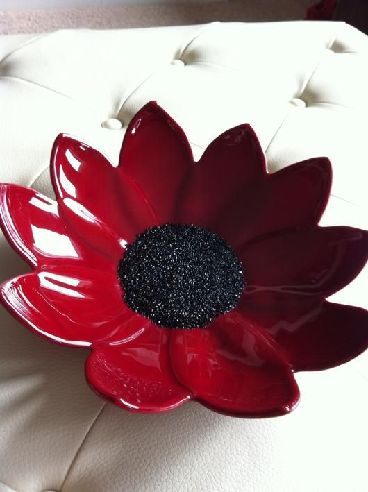 Red Flower Bowl Delphi Artist Gallery Ceramic Flowers Glass Crafts Glass Fusing Projects