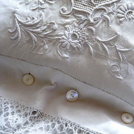 Vintage linens .. #collections #linens #antiquestore #allwhite #french #vickiarcher