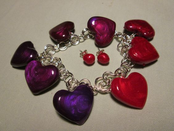 Royal Hearts a colour gradation from deep purple through to rich red