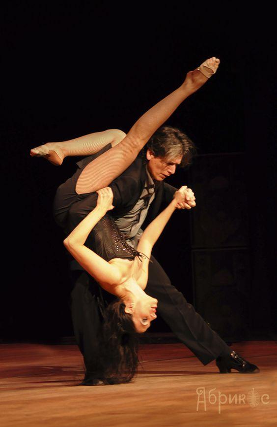 Naked tango dancing video