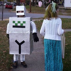 Running out of time? We've got instructions of 4 #DIY #costumes. #Halloween #trickortreat