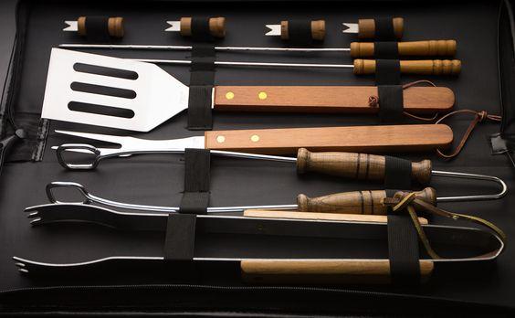 Hermoso set de herramientas para BBQ