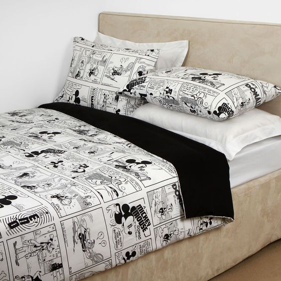 Discover the Disney Comix Duvet Set - 001 - 255x200cm at Amara