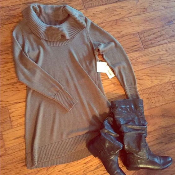 Shu Shu Sweater Tunic Large Very cute taupe sweater tunic! (Or dress for shorties like me.) Never worn! Wear with  leggings/tights & riding boots for a stylish look. Size Large Shu Shu Sweaters Cowl & Turtlenecks