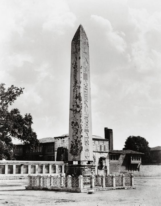 The Obelisk of Theodosius, Around 1490 BC the Egyptian Pharaoh Thutmose III erected two obelisks before the Karnak temple in Luxor to commemorate the victories of his forces in Mesopotamia. In the 4th century AD, an unknown Roman...