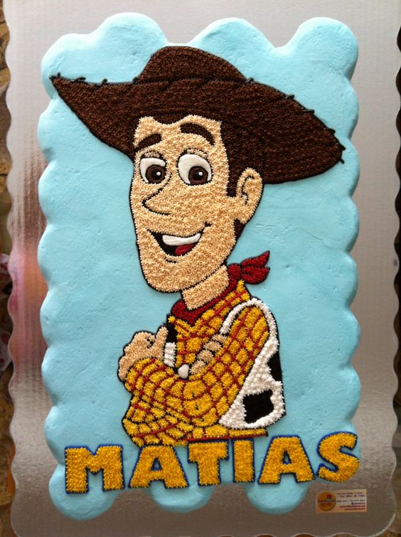 Woody Toy Story cupcakes cake:
