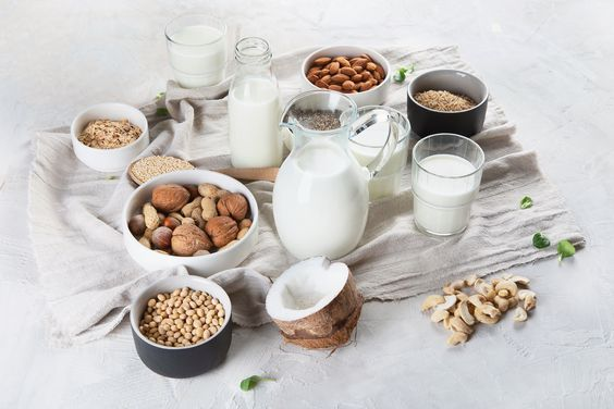 A Dairy-Free Milk Comparison: Here are the 5 Best Milk Alternatives You Need to Try ASAP