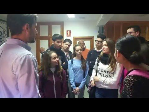 Crea y aprende con Laura: Pasión X la #Ciencia en el IES MPT con Javier Santaolalla @JaSantaolalla @_BigVan #LocosXCiencia 2016 #BigVan
