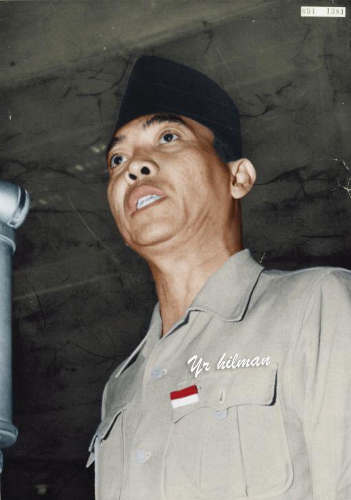 Baju Soekarno