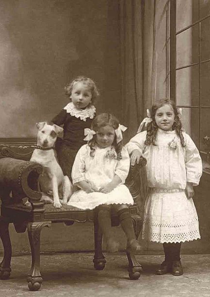 :::::::::: Antique Photograph :::::::::: Love the adorable expression on the dog's face as he sits at attention with the children.