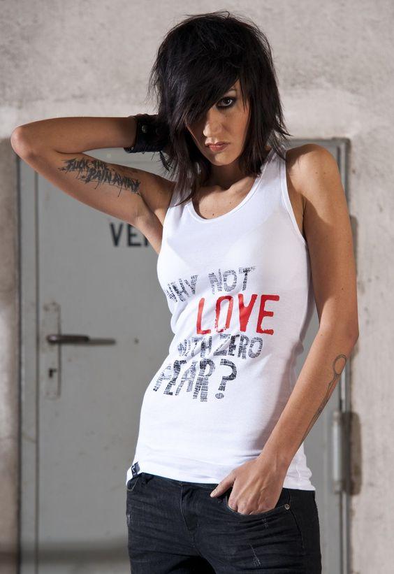 print: why not love with zero fear? | | | shirt: käthe _ fashion for lesbians & friends www.njulezz.com