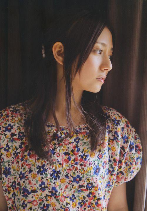 花柄のお洋服の木村文乃