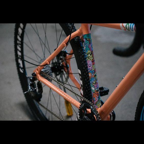 Creatures. @eekachorek dreamed it & @pantonson created it. #MUSA #handmade #aluminum #custom  @jasonperryphoto #SRAM #ForceCX1 @psimet @clementcycling #cyclocross #frameset #bike #cycling #cx