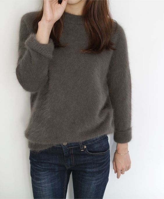 Love this sweater, it seems so comfy and soft !