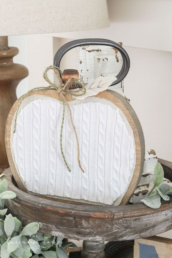 Do you have scrap pieces of wood and fabric just taking up space? Show your love for fall by revamping wood scraps and materials you probably have laying around in your house – and turning them into beautiful farmhouse wooden pumpkins! Create your own rustic pumpkin decor to decorate your home with this fall. They ... Read More about How to Make a Farmhouse Wooden Pumpkin