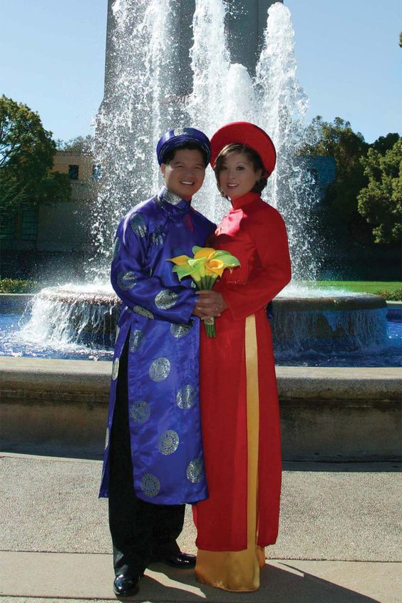 vietnamese marriage couple attires traditional dresses
