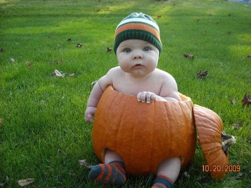 In love with these!!!  27 adorable baby in pumpkin photos