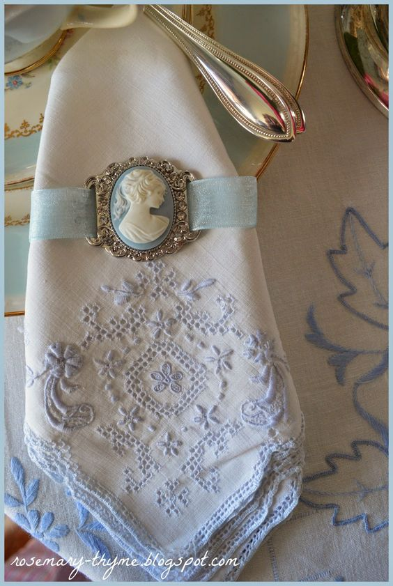 Creative Old Jewelry And Napkins On Pinterest