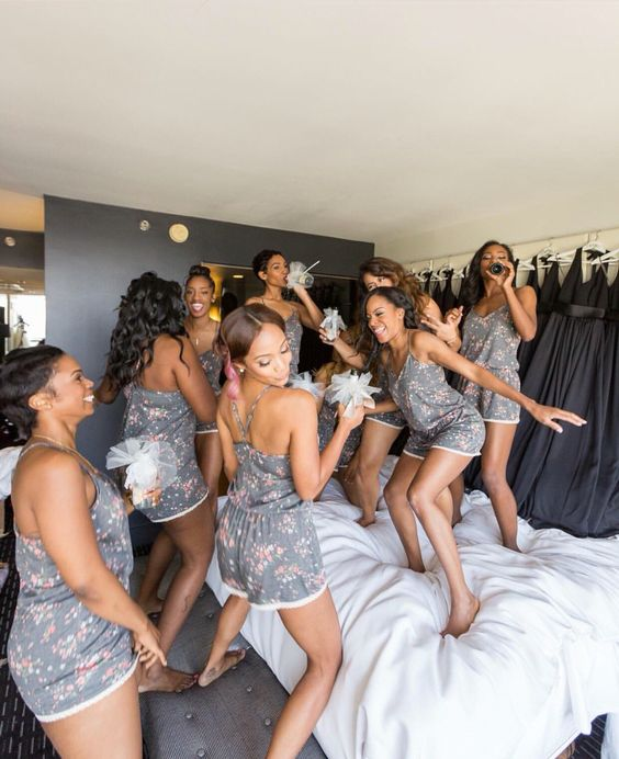 XOXO: Me & my bridesmaids one day!