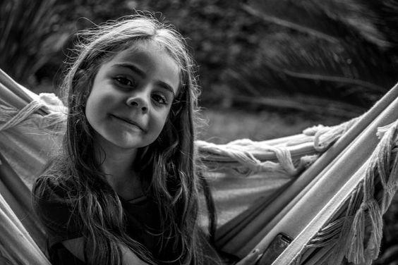"""""""Não sou esnobe; eu simplesmente não estou interessado no que a maioria das pessoas tem pra dizer ou no que elas desejam fazer ..."""" #charlesbukowski #frases #livros #simplesassim #semmais #kid #filha #minhavida #amor #meutudo #boatarde by priscila_barrozo__ Get much more Bukowski at www.BukowskiGivesMeLife.com"""
