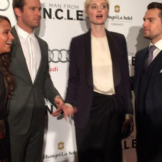 VIDEO #HenryCavill #ArmieHammer #AliciaVikander #ElizabethDebicki having fun @ManFromUncle premiere!
