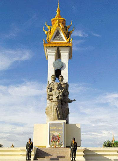 Tượng đài Hữu nghị Việt Nam – Campuchia