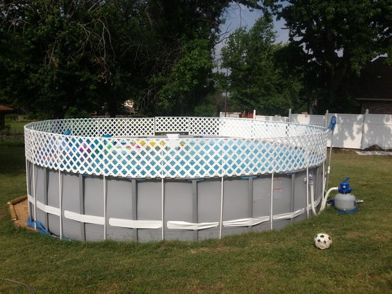 Above ground pool fence diy 1 2inch pvc pipe and white pvc for Pool privacy screen